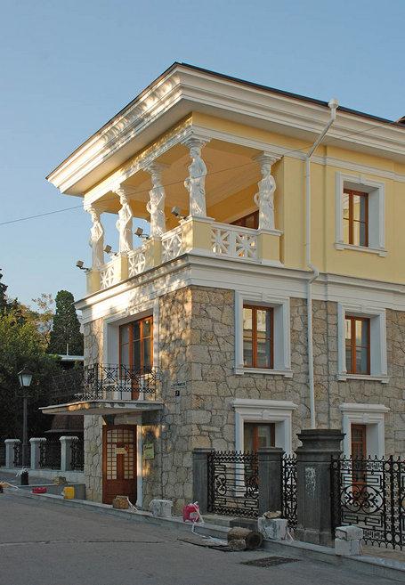 Дом с кариатидами. Дом Спендиарова в Ялте.